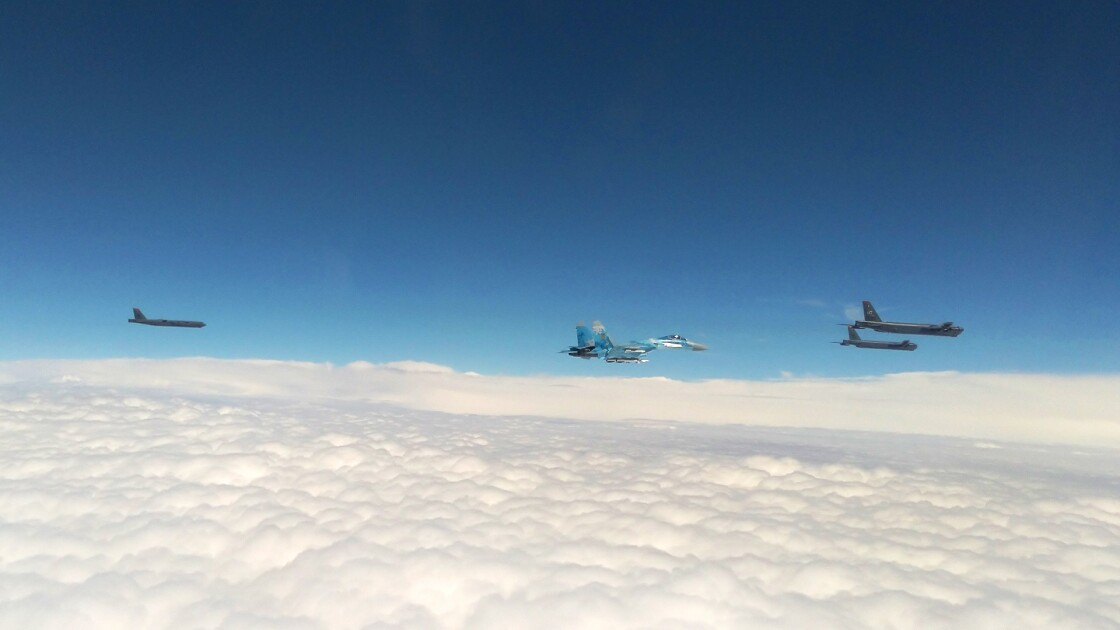 Фото бомбардировщика B-52 армии США