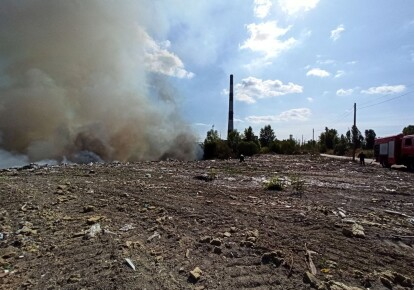 Пожежа на сміттєзвалищі у Дарницькому районі Києва