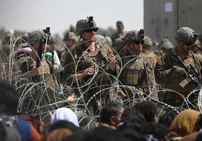 Американские солдаты в аэропорту Кабула, август 2021 г.