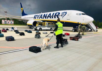 Рейс Ryanair из Афин (Греция) в Вильнюс (Литва) с белорусским оппозиционным журналистом Романом Протасевичем на борту сделал вынужденную посадку в Минске