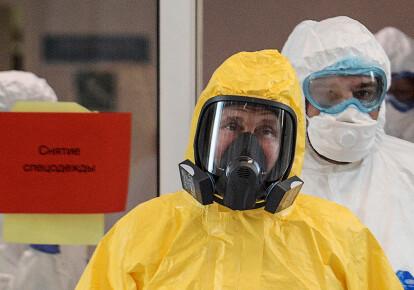 Володимир Путін в лікарні, в якій лікують заражених коронавірусом. 2020 рік.