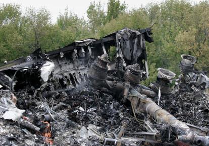 Место авиакатастрофы рейса MH17, который был сбит российскими террористами над Донбассом в июле 2014 года