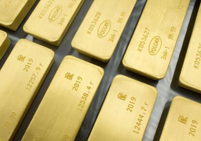 Центробанк розпродає золотий запас Росії