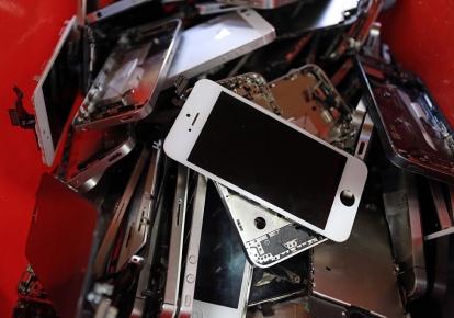 Сегодня никто особо и не скрывает, что производители электронных устройств намеренно сокращают срок службы своих изделий