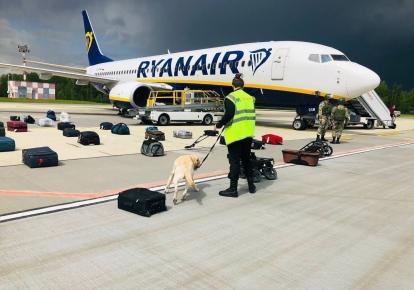 Cамолет Ryanair после посадки в Минске