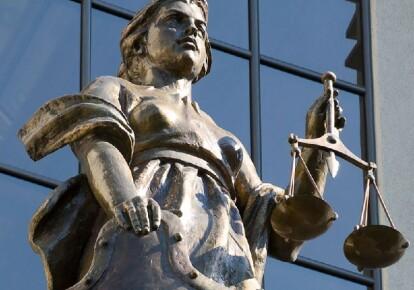 Судья дважды получал взятки