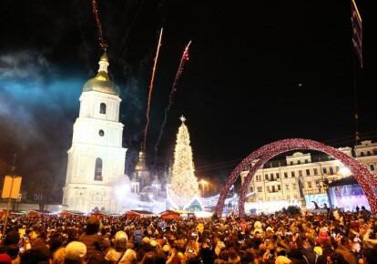 Главная новогодня елка Украины на Софийской площади в Киеве, декабрь 2019 г.