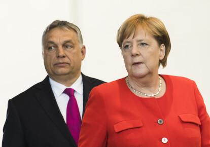Премьер-министр Венгрии Виктор Орбан и канцлер ФРГ Ангела Меркель
