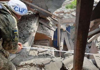 Бойовики обстріляли будинок цивільного у Пісках