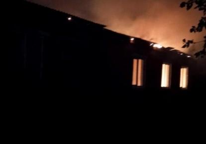 Огонь уничтожил перекрытия на площади 360 кв. м