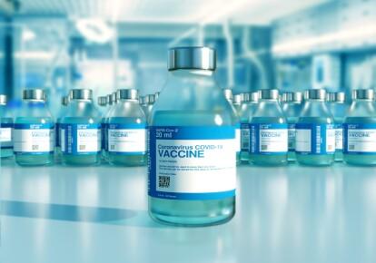 Низка країн призупинила використання COVID-вакцини AstraZeneca