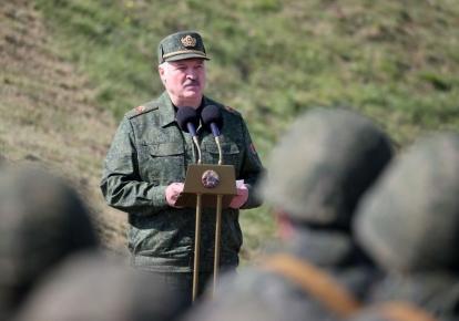 """Александр Лукашенко во время учений """"Запад-2021"""""""
