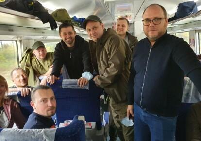 Делегація фракції «Слуги нроду» вирушила на Донбас/соцмережі