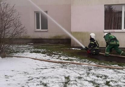 Пламя распространилось на 250 кв. м