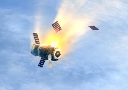 В апреле месяце Россия потеряла два спутника, которые сошли с орбиты и сгорели