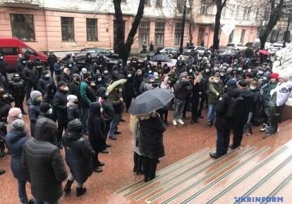 Предприниматели протестуют у Черновицкой ОГА