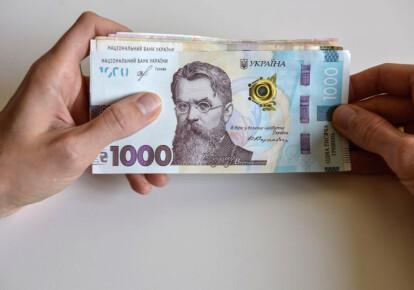 Верховная Рада приняла законопроект о повышении минимальной зарплаты  / УНИАН