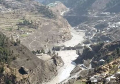 В Индии сход ледника привел к масштабному наводнению