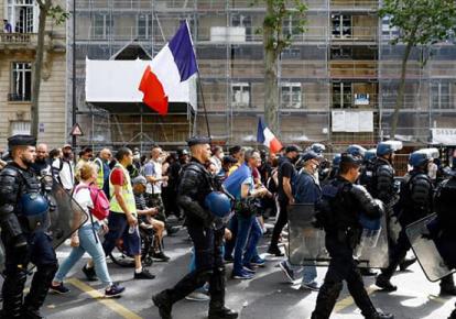 Масові акції у Франції