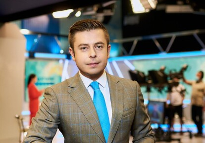 """Ведущий канала """"Украина"""" новостей """"Сегодня"""" Виталий Школьный"""