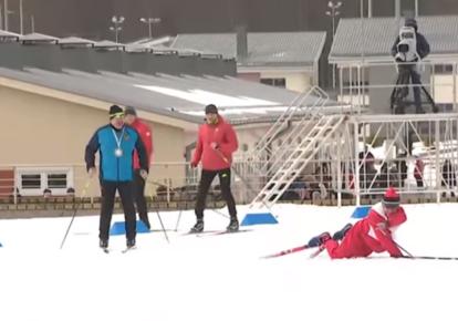 Александр Лукашенко в биатлонной эстафетной гонке