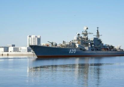"""Буксировка эсминца """"Беспокойный"""" в Кронштадт"""