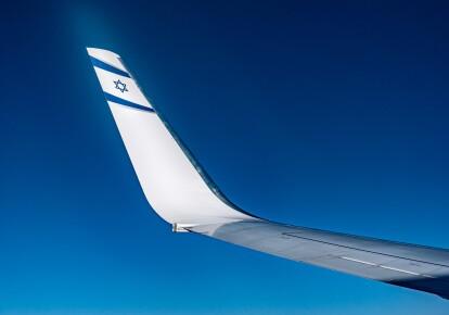 Вилетіти можна нерегулярними рейсами авіакомпаній МАУ, El Al або Israir