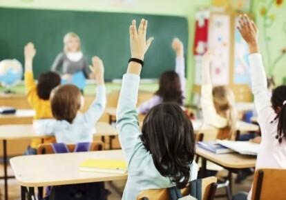 Навчальний рік у школах стартує в звичайному режимі