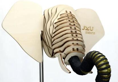 Хобот слона сделан из биоразлагаемого геля. Фото: Soft Materials Lab, JKU Linz