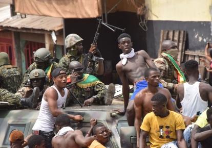 В Гвинее военные свергли президента Альфу Конде