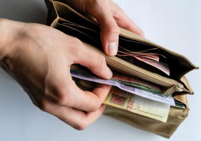 Малообеспеченные получат денежную помощь от государства из-за карантина. Фото: УНИАН