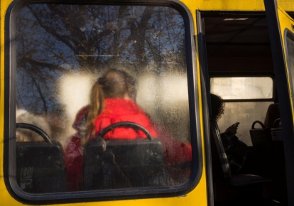У Мелітополі водії відмовилися везти школярку без нової COVID-довідки