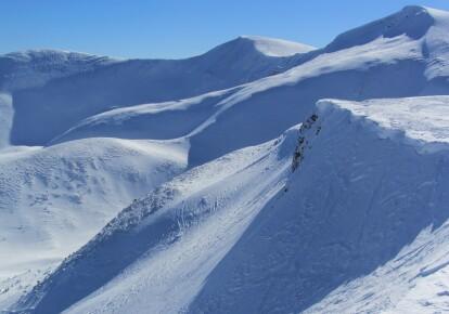 В Карпатах возможные снежные лавины