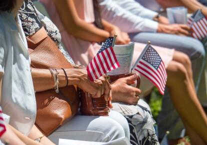 У США влада ще не визначилась з позицією щодо паспортів вакцинації