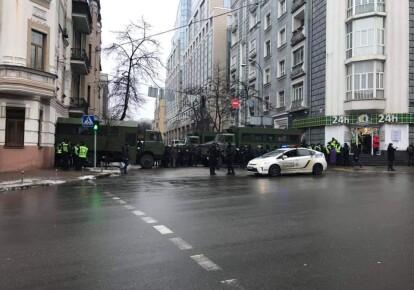 На углу улиц Институтская и Садовая в центре Киева/Михаил Макарук