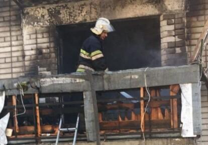 У Новомосковську Дніпропетровської області після вибуху виникла масштабна пожежа в житловому багатоквартирному будинку