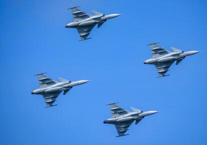 Истребители JAS-39 Gripen шведских ВВС