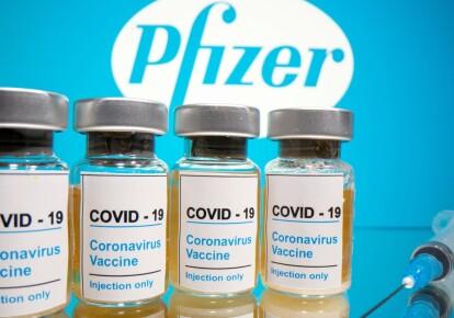 Ефективність вакцини Pfizer через пів року падає вдвічі