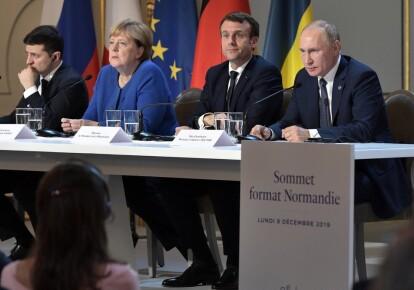 Президент Украины Владимир Зеленский, Ангела Меркель, президент Франции Эммануэль Макрон, Владимир Путин во время парижского саммита в 2019 году
