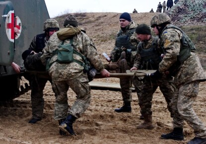 В зоне ООС от взрыва неизвестного устройства погибли два украинских защитника