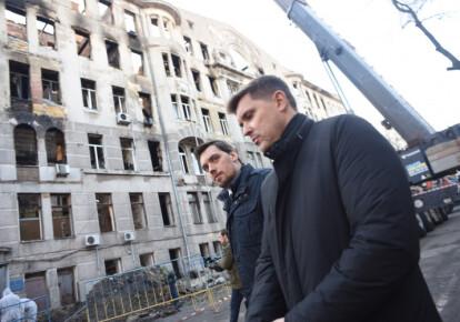 Кабмин выделил по 200 тысяч семьям погибших при пожаре в Одесском колледже