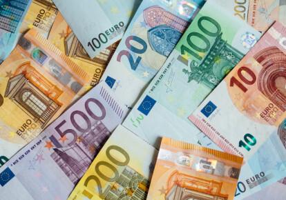Украина получила два миллиарда долларов от выпуска еврооблигаций / Shutterstock