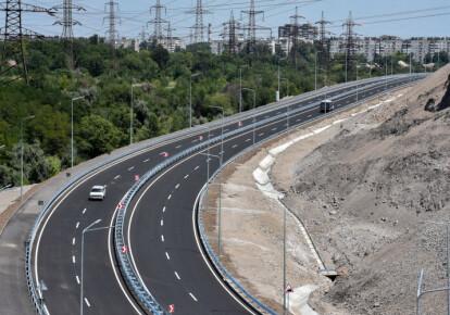 Кабмин планирует внедрить платный режим для пользования дорогами для иностранных граждан. Фото: УНИАН