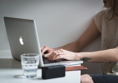 Информационно-цифровая компетентность вошла в 10 ключевых