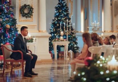 В новогоднем обращении президент Владимир Зеленский надел маску отца нации