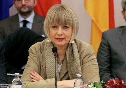 Хельга Шмід