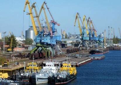 Херсонский морской торговый порт отдадут в концессионное управление. Фото: Shutterstock