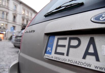 """Новые ставки растаможки """"евроблях"""" не удовлетворяет владельцев таких автомобилей. Фото: УНИАН"""