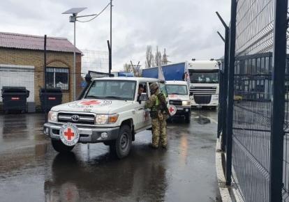 На Донбасс проследовало пять грузовиков с гуманитарной помощью