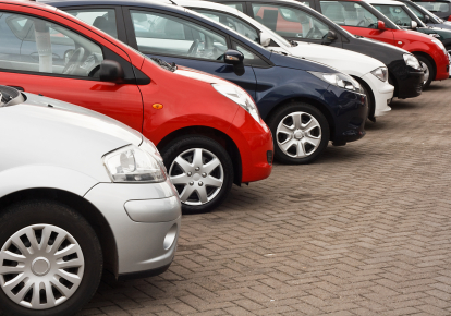 Бензинові і дизельні автомобілі можуть опинитися поза законом в Україні